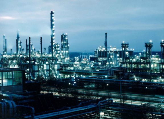US petrochemical feedstock volatility could last through 2020: LyondellBasell CEO.